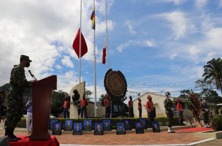 SANTANDER  En la Quinta Brigada se rindió homenaje a los héroes que ofrendaron su vida por la libertad